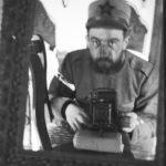 """Biografie e storie di vita: Vaifro Agnoli alle prese con un... selfie: ho ricostruito le sue vicende attraverso lettere, documenti e fotografie, raccontandola nel libro """"Le casse ritrovate"""""""