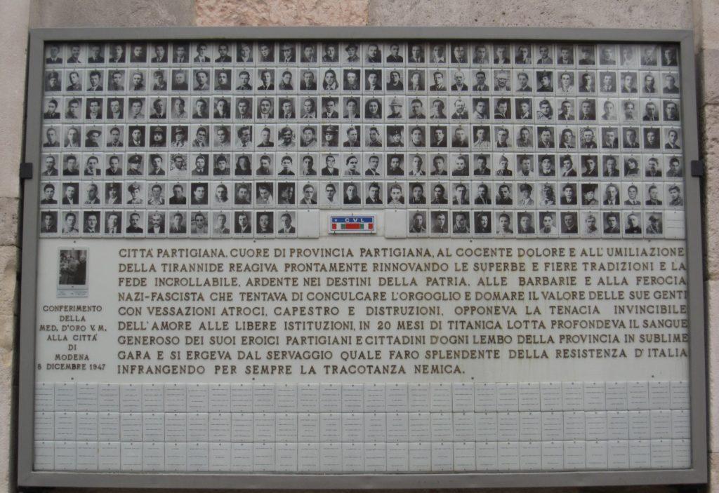 Modena 900. Sacrario della Ghirlandina: la tabella centrale.