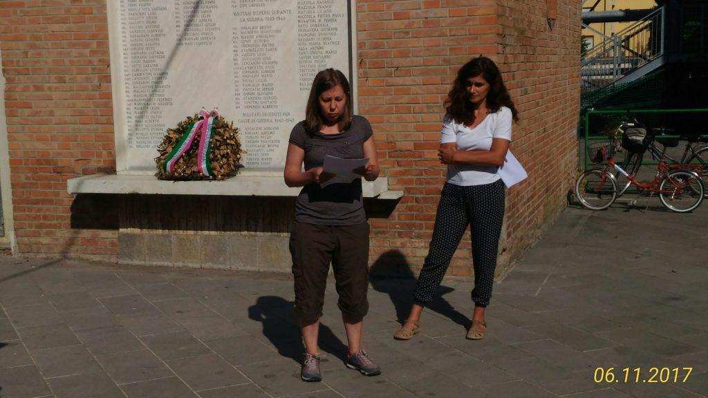 Ilaria Turrini e Federica Trenti leggono lettere di soldati crespellanesi partiti per la Grande Guerra per poi passare alla storia della Resistenza.