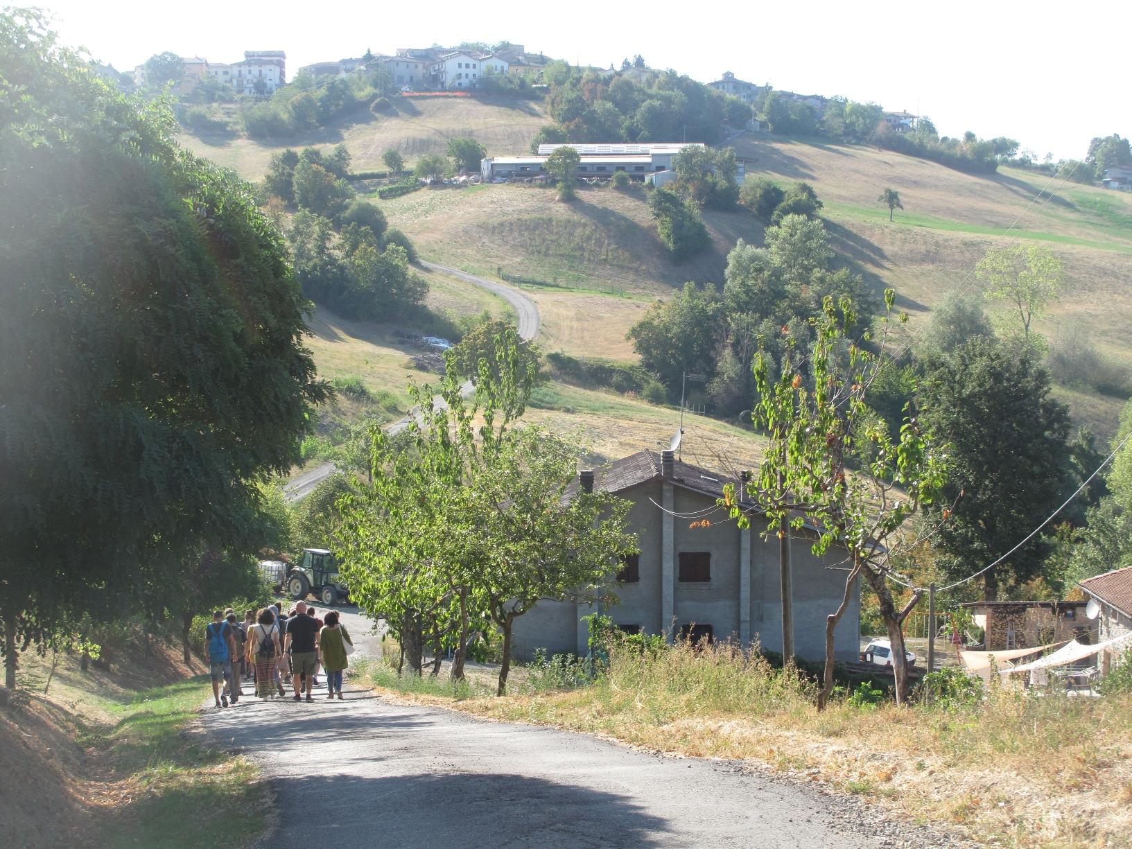 Salendo verso Farneta - centrale di Farneta