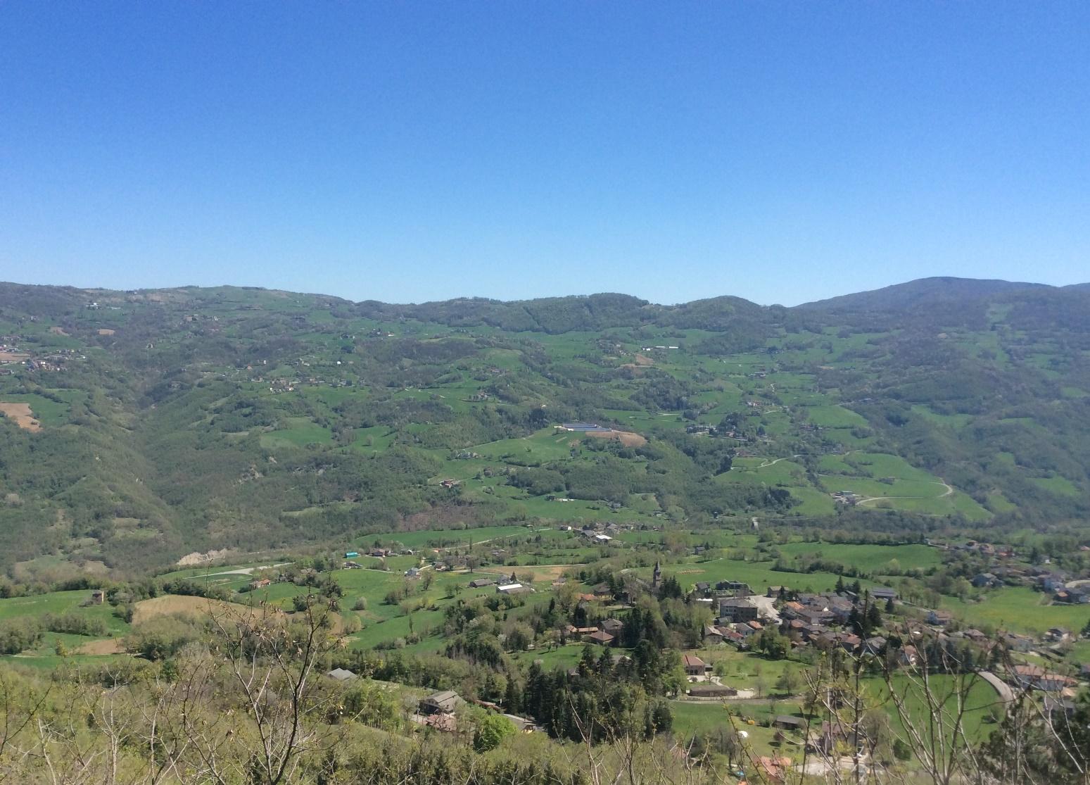 Strage di Monchio, Susano e Costrignano. Il Monte Santa Giulia, con Monchio, Costrignano e Susano, visto dalla rocca di Montefiorino