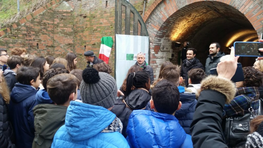 Classi delle scuole secondarie bazzanesi al rifugio antiaereo Mario Anderlini