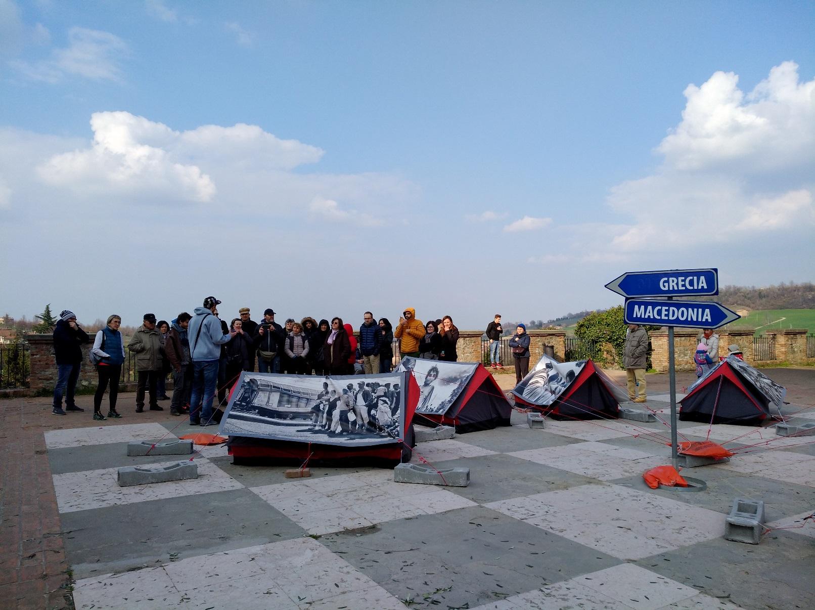 storie di profughi: L'arrivo in piazza Roma