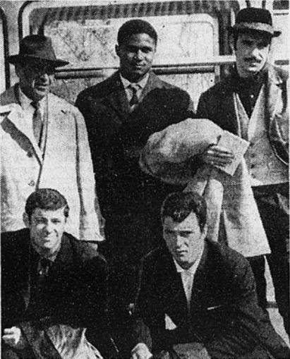 Storia del calcio portoghese. Guttmann (in alto a sinistra) con alcuni giocatori del Benfica nel 1962. Al suo fianco c'è proprio Eusébio. Via Wikimedia Commons