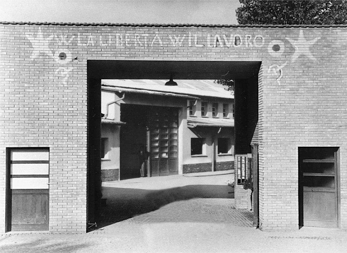 Ferrari Maranello: ingresso fabbrica nel 1947