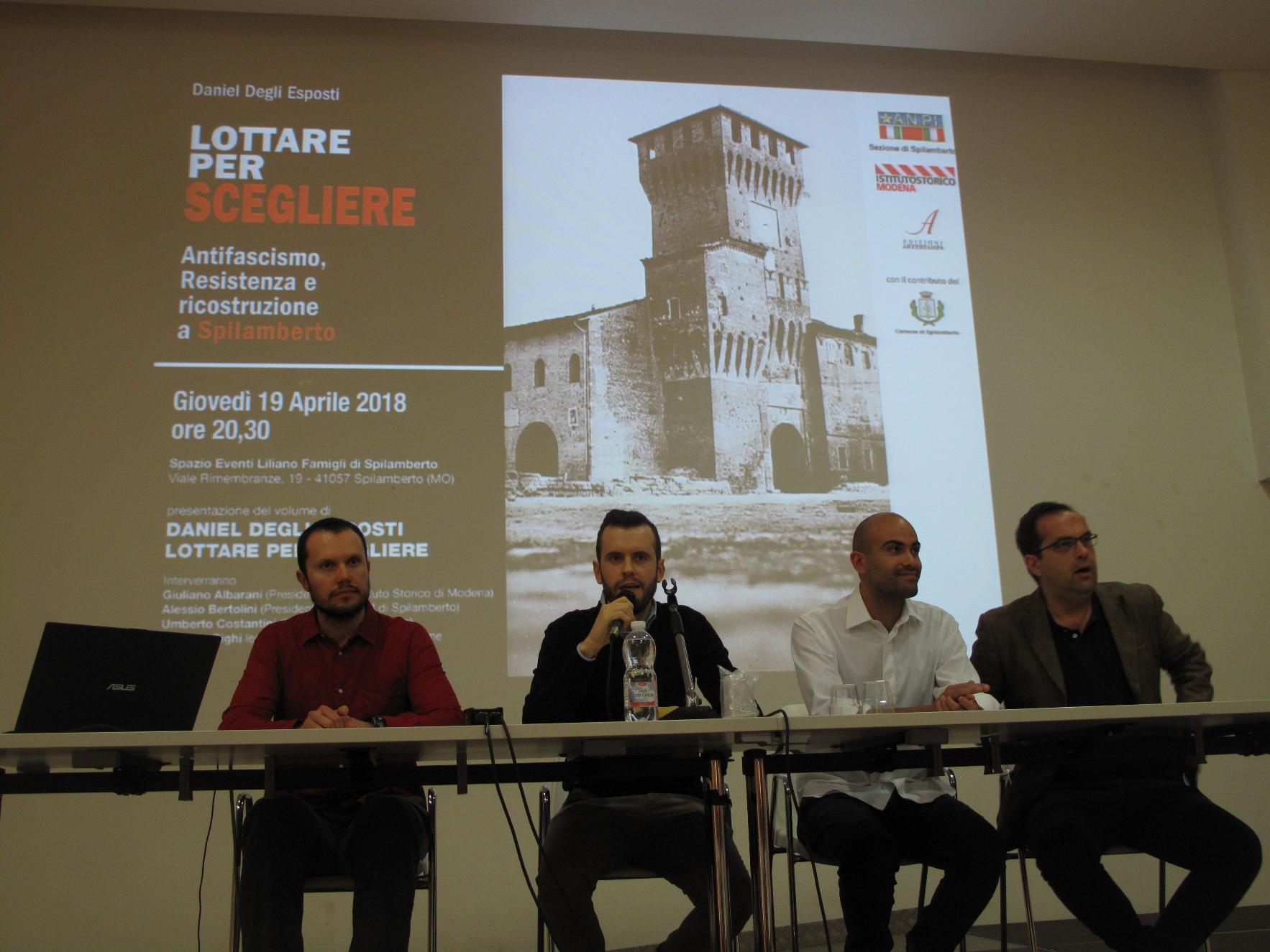 Storie di Resistenza a Spilamberto: Il tavolo dei relatori durante la presentazione del libro Lottare per scegliere