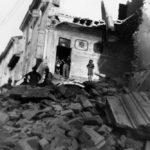 Via Soli, nel centro storico di Vignola, dopo i bombardamenti del 19 aprile 1945. Foto di Carlo Eugenio Muratori - Storia di Vignola dalla Resistenza alla ricostruzione
