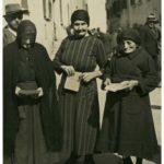 Festa della Repubblica. Donne al voto a Castelvetro nel 1946. Foto dal fondo Giuseppe Simonini - Archivio del Gruppo Mezaluna-Mario Menabue