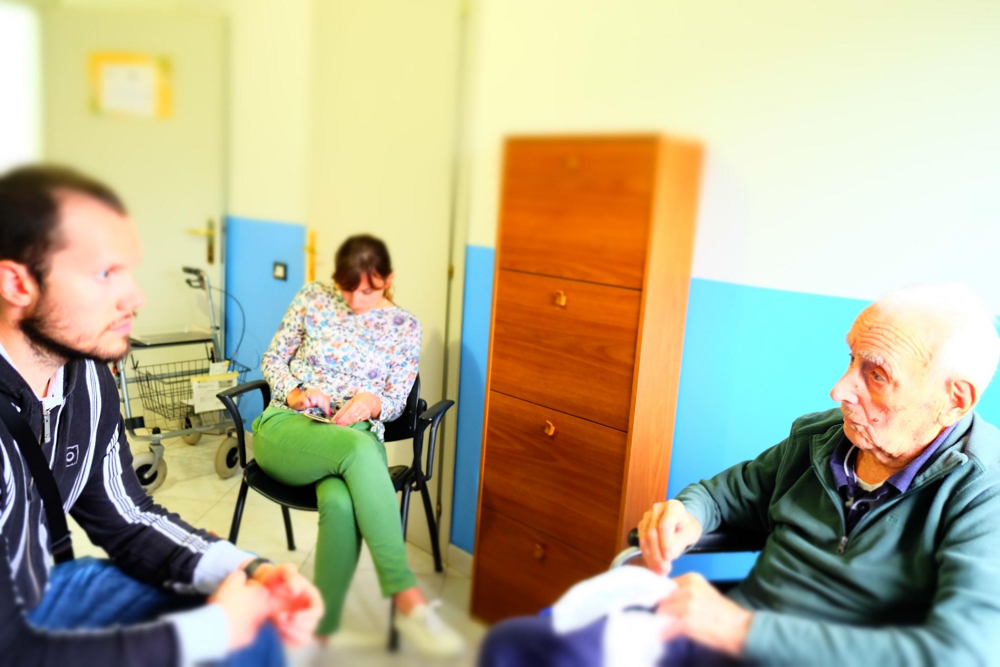 Un momento dell'intervista a Tolmino, inserita nel film-documentario Sentieri di democrazia