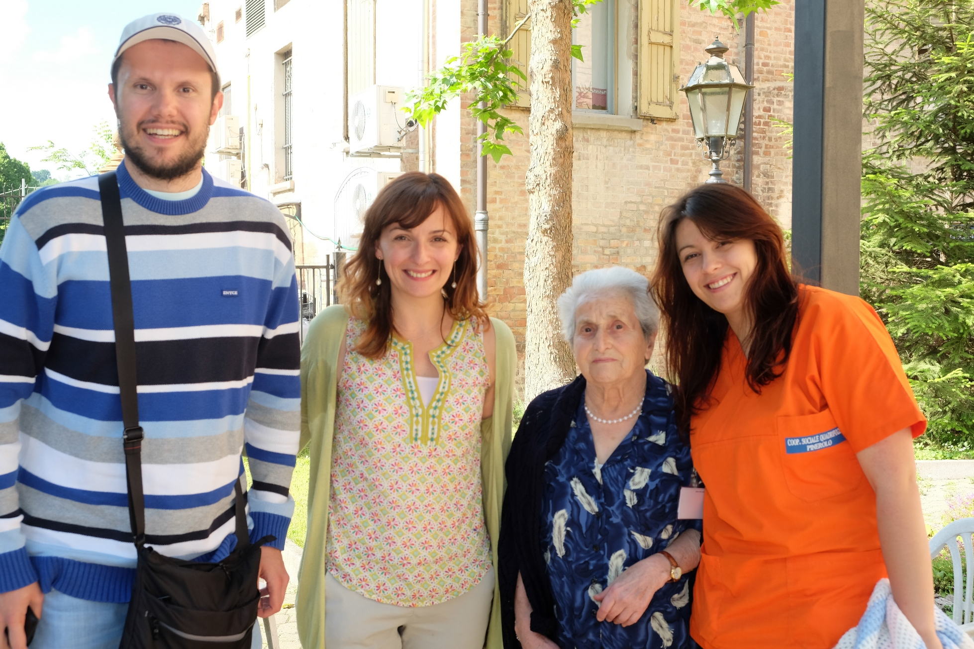 Foto di gruppo al termine dell'intervista a Lina Iubini. Sentieri di democrazia