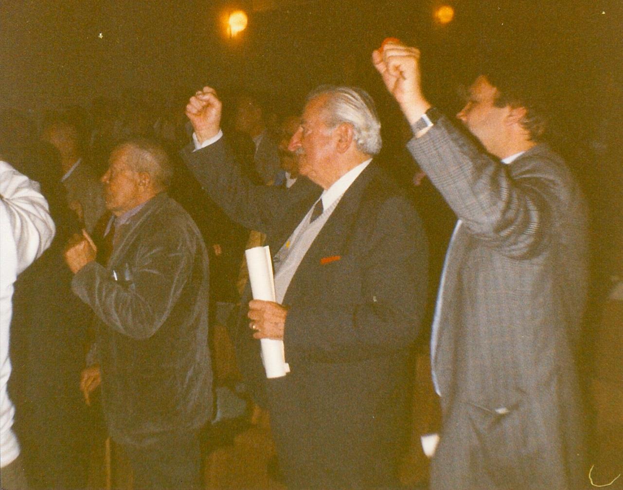 """Armando a Madrid per la celebrazione delle Brigate Internazionali. Foto tratta dalla mostra Mario Ricci """"Armando"""" dal mito alla storia - con Armando nel cuore"""