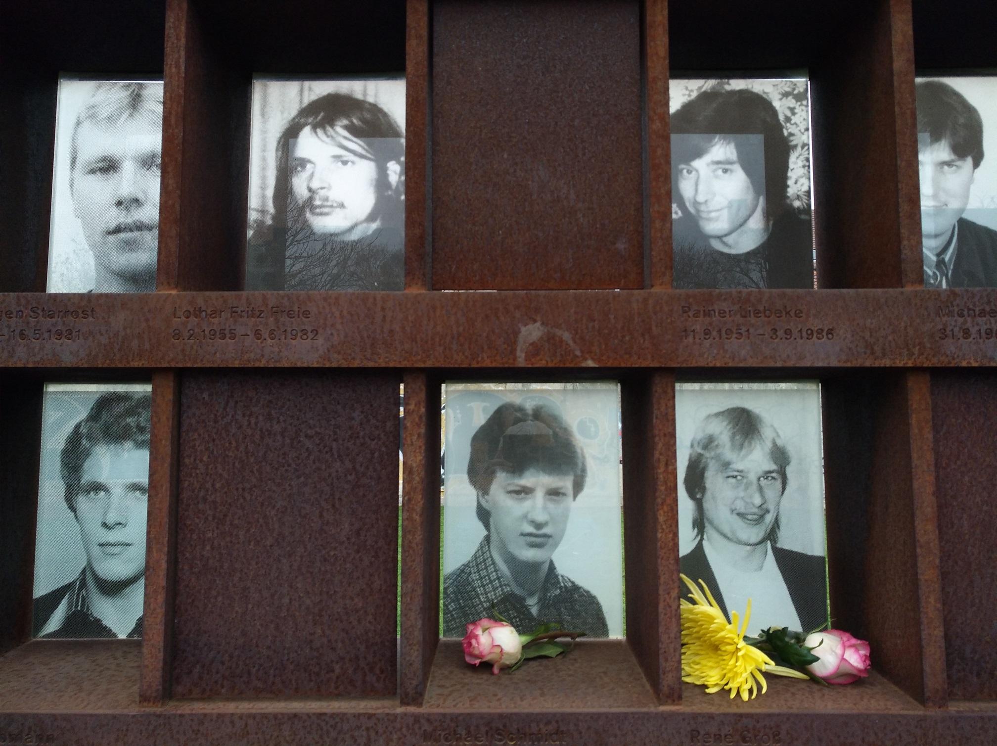 Memoriale delle persone uccise nel tentativo di superare il confine tra Berlino Est e Berlino Ovest all'epoca del muro. Foto di Paola Gemelli