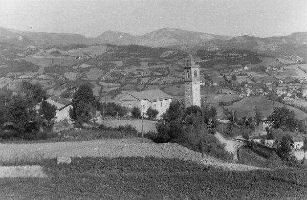 La chiesa di Fontanaluccia, frazione di Frassinoro, nei pressi della quale sorgeva l'edificio dell'Ospizio, poi ospedale partigiano di Fontanaluccia. Ringraziamo il signor Piergiorgio Stefani per la foto