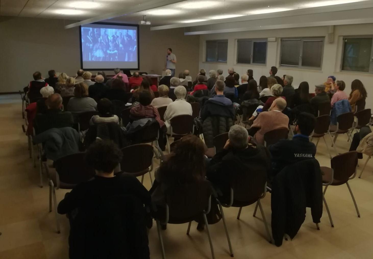 Una lezione del corso Le radici storiche del presente nel Quartiere Crocetta