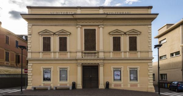 La ex Casa del fascio, oggi Auditorium Enzo Ferrari di Maranello