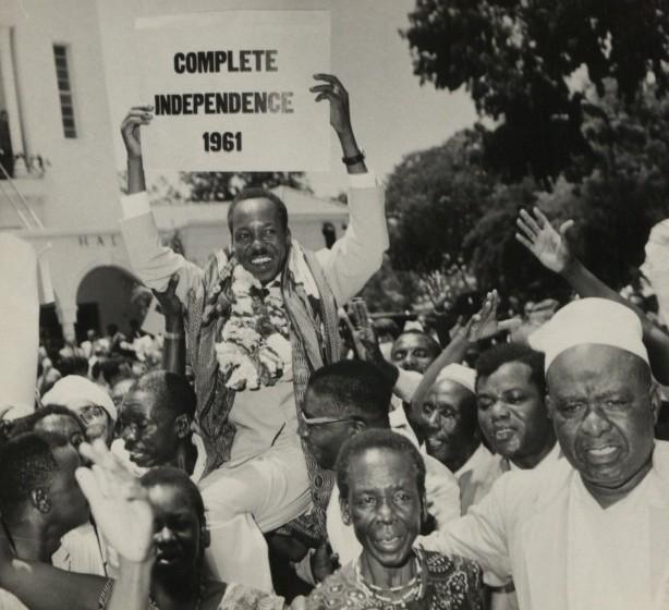 storia del colonialismo e decolonizzazione - 1961: Julius Nyerere, leader fondatore della Tanzania, mentre chiede la completa indipendenza dall'Impero britannico. Foto via Wikimedia Commons