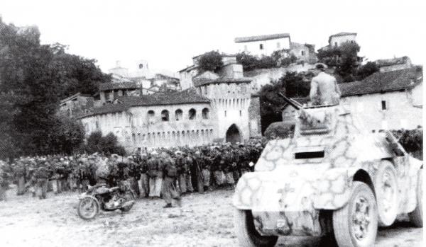 Fotografia scattata durante il rastrellamento nazista a Castellarano il 20 luglio 1944